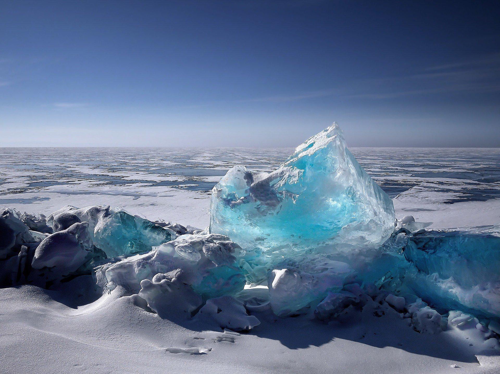 Ein Bild, das Himmel, draußen, Wasser, Eis enthält.  Automatisch generierte Beschreibung